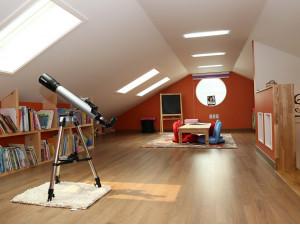 Jakie wybrać rolety do okien dachowych?