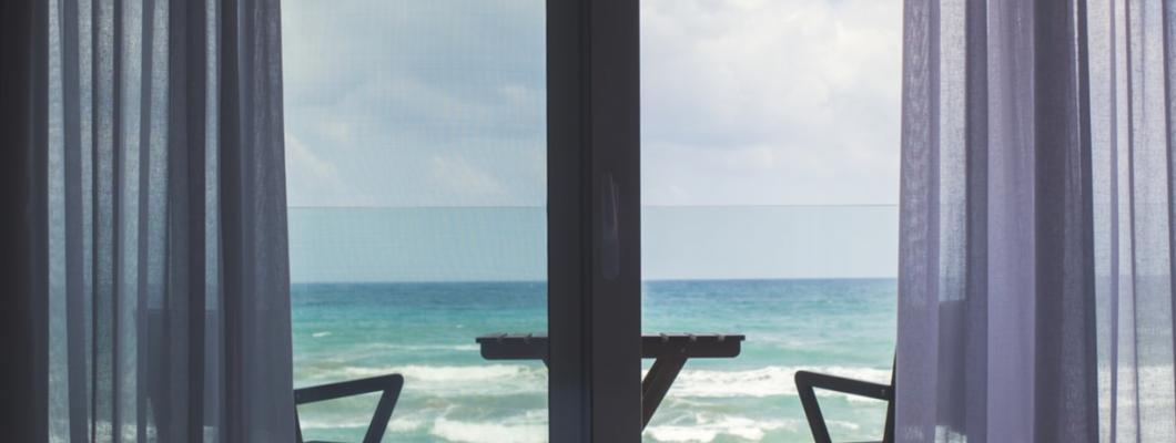 Jaką roletę na drzwi balkonowe wybrać?