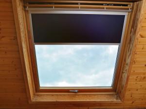 Jak skutecznie osłonić okna na poddaszu?